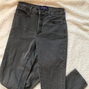 Not your Daughters Jeans grey color sz6 inseam 30
